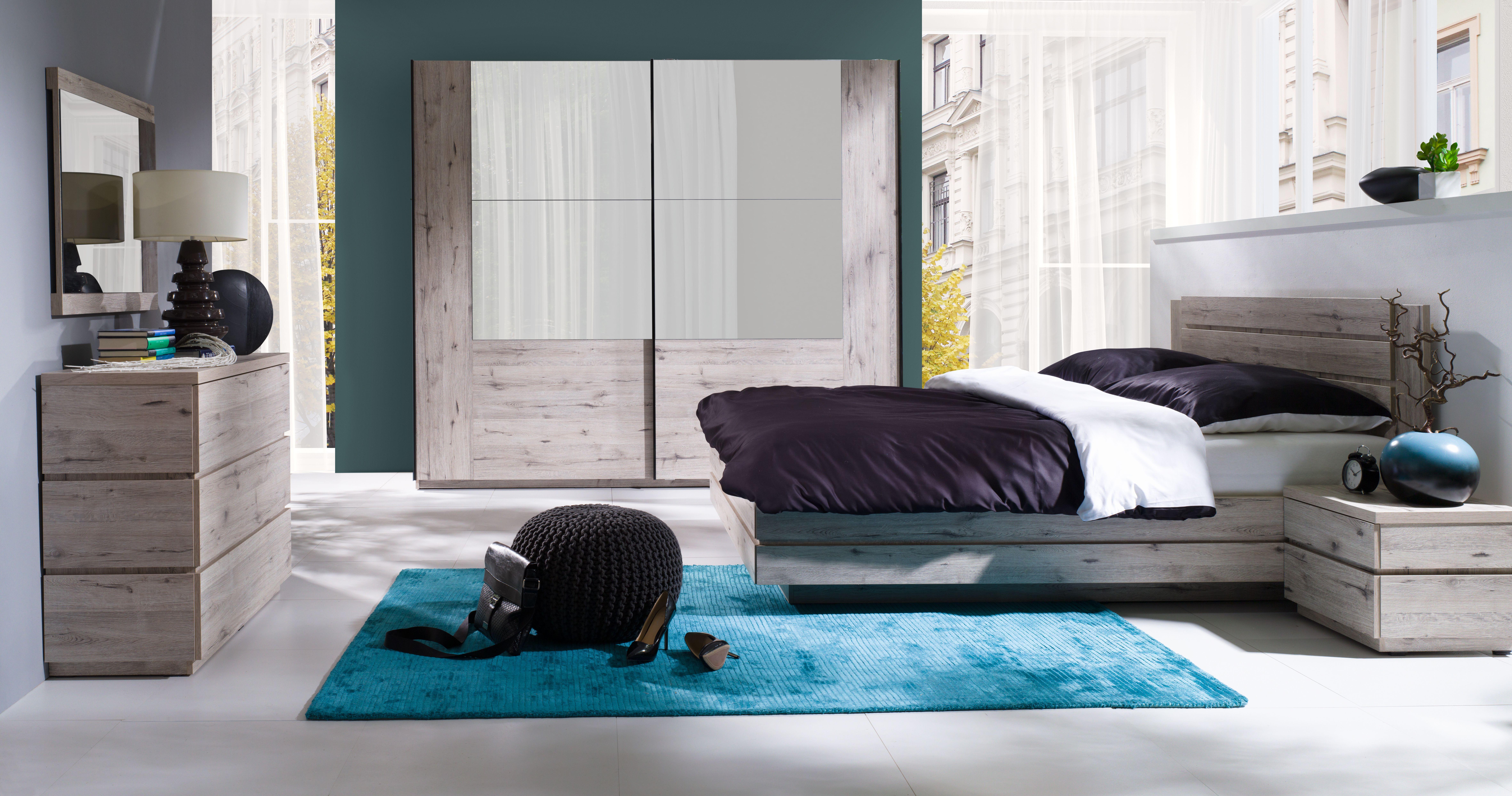 Moderne slaapkamer in origineel hout dekor met leuke details